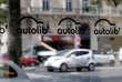 Vendredi 22 juin, le groupe Bolloré et le syndicat des communes franciliennes se sont finalement accordés : la société de transports accepte de prendre en charge le reclassement des salariés.
