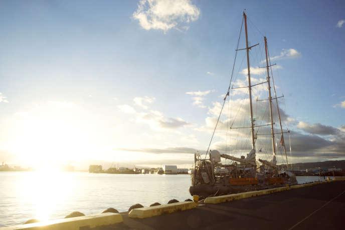 «Tara» amarré au quai 9 du port d'Honolulu, le 20 juin.