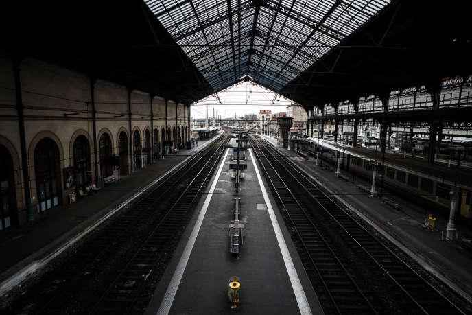 La gare de Lyon-Perrache (Rhône), le 3 avril, premier jour de grève à la SNCF contre la réforme ferroviaire.