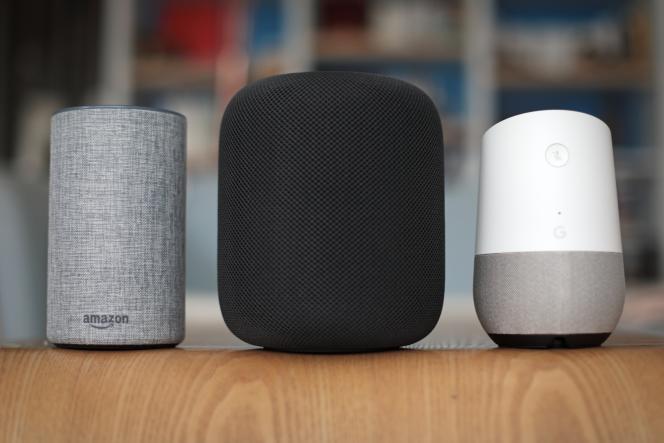 Les enceintes d'Amazon (à gauche) se partagent le marché avec celles d'Apple (au centre) et Google (à droite).