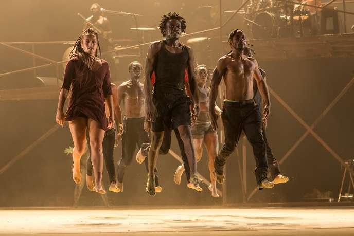 « Monstres/On ne danse pas pour rien » de DeLaVallet Bidiefono à la Grande Halle de La Villette, Paris.