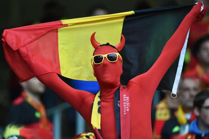 Un supporteur belge avant le match contre les Gallois à l'Euro 2016, le 1er juillet 2016 à Villeneuve-d'Ascq.