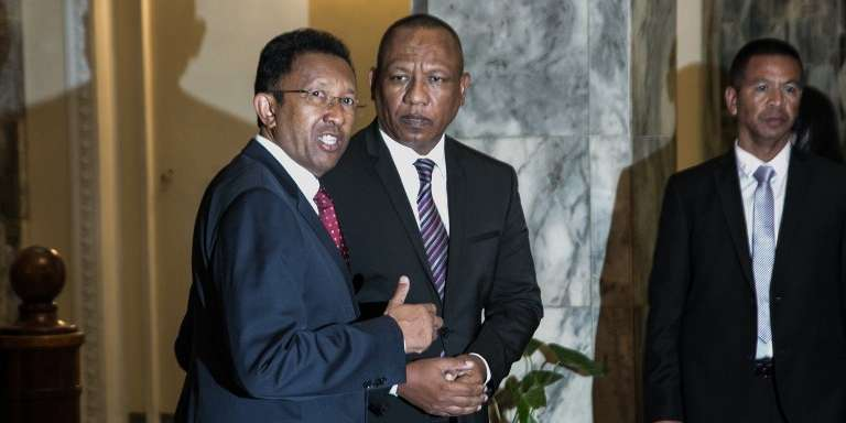 Le président malgache, Hery Rajaonarimampianina (gauche), et le premier ministre, Christian Ntsay, à Antananarivo, le 11juin 2018.