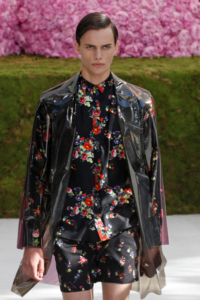 A model presents a creation by designer Kim Jones for Dior Homme collection as part of their Spring/Summer 2019 collection show during Men's Fashion Week in Paris, France, June 23, 2018.  REUTERS/Pascal Rossignol