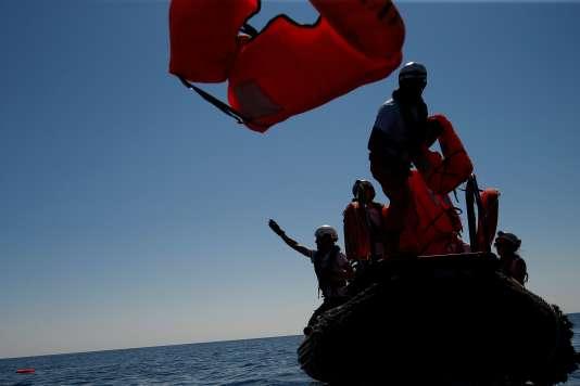 JacquesTouboncritique la réaction des autorités françaises face à«l'errance»des migrants recueillis à bord del'«Aquarius».