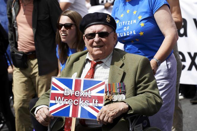 A Londres, lors de la marche anti-Brexit, le 23 juin.