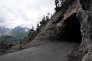Au col de l'Echelle (1762 m), un des deux tunnels qu'il faut emprunter lors de l'ascension du col côté italien. Le 28 mai.