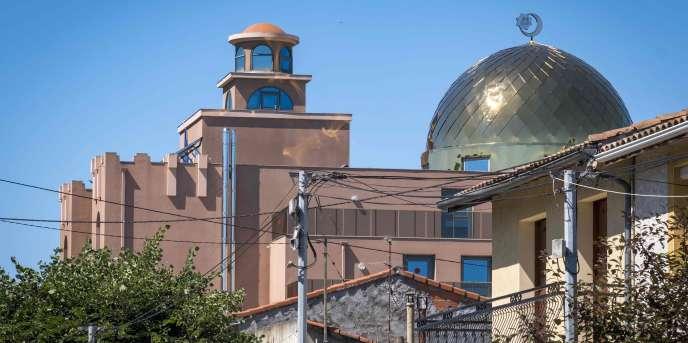 La grande mosquée de Toulouse le jour de son inauguration, le 23juin2018, après treize ans de rénovation.