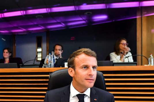 Le président Emmanuel Macron à Bruxelles dimanche.
