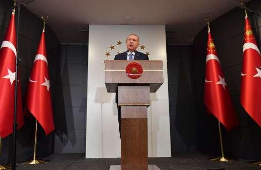 Erdogan réélu, les Turcs face à l'«hyperprésidence»