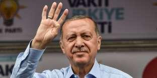 Le président Erdogan lors d'un meeting électoral à la veille du scrutin, à Istanbul, le 23 juin.