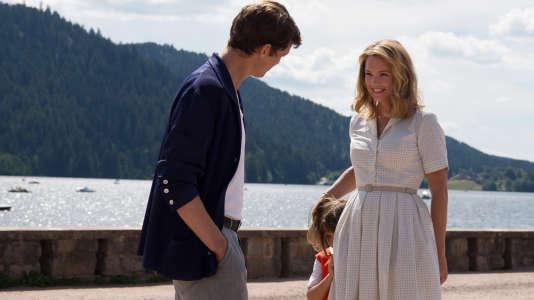 Niels Schneider et Virginie Efira dans «Un Amour impossible» de Catherine Corsini.