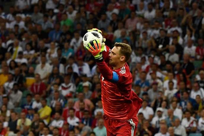 Manuel Neuer, lors du match Allemagne-Suède (2-1), samedi 23 juin, à Sotchi. JONATHAN NACKSTRAND/AFP