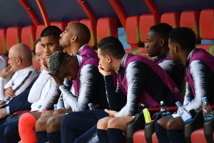 Le banc des remplaçants de l'équipe de France durant le match contre l'Australie, à Kazan (Russie), le 16 juin.