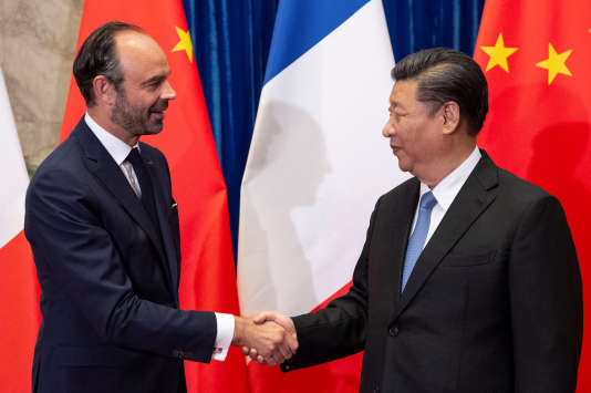 Le président chinois Xi Jinping et le premier ministre français Edouard Philippe le 25 juin à Pékin.