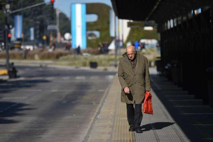A Buenos Aires, le 25 juin. L'Argentine est quasiment paralysée par une grève générale de 24 heures.