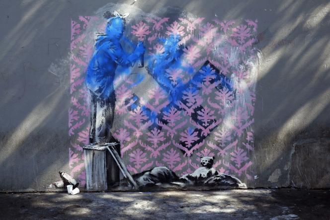 Le pochoir de Banksy à la porte de la Chapelle a été vandalisé au cours du week-end.
