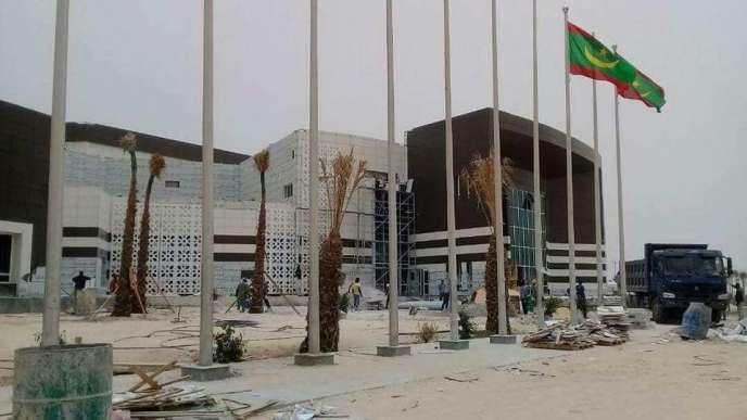 Le nouveau palais des congrès de Nouakchott, encore en construction à la mi-juin 2018.