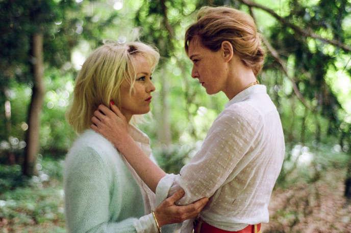 Vanessa Paradis etKate Moran dans le film français de Yann Gonzalez,« Un couteau dans le cœur».