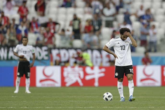 Mohamed Salah après le second but adverse, lundi 25 juin, lors de la défaite de l'Egypte face à l'Arabie saoudite (1-2).