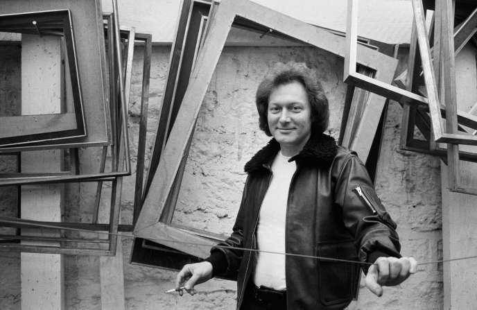L'écrivain Emmanuel Hocquard, en 1981.