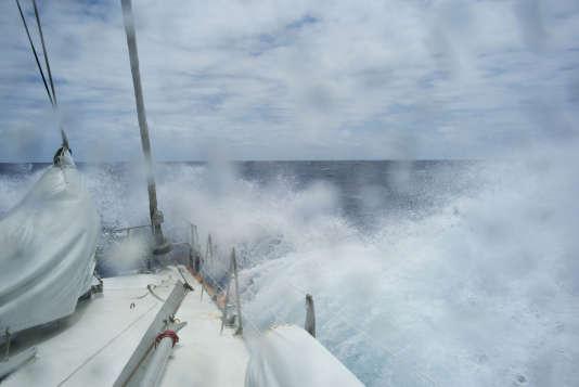 Jour 6, vent de force 5 : la traversée du Pacifique Nord de Honolulu (Hawaï) à Portland (Oregon) se poursuit.