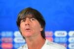 Après l'élimination des champions du monde en titre, Joachim Loew a exprimé sa déception en conférence de presse.