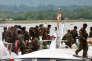 Des soldats birmans à Buthidaung, le 29 août 2017.