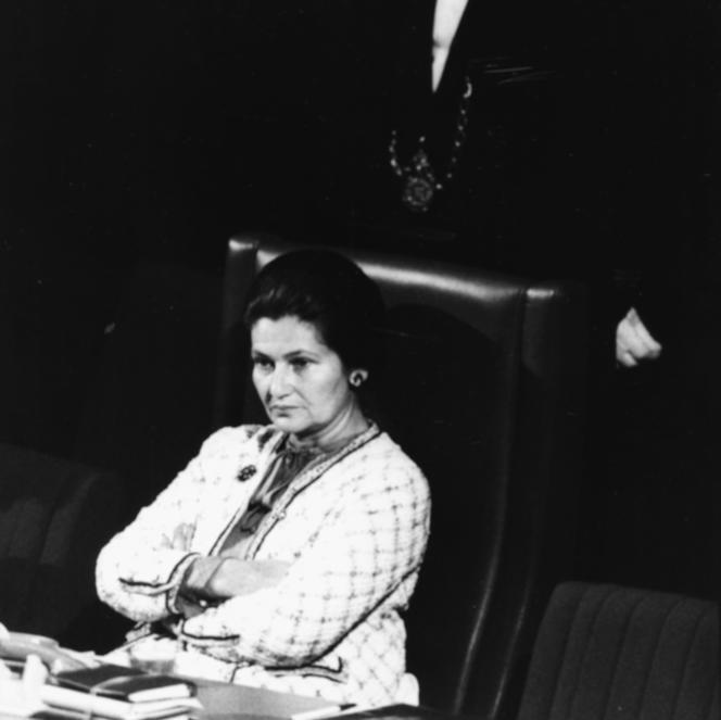 Simone Veil au Parlement européen, qu'elle préside, en juillet 1979