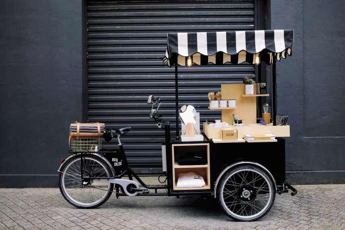 Outre sa sélection de produits, Noir Gaazolloue son tricycle à d'autres marques.