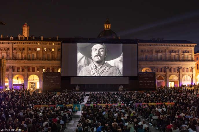 Projection sur la Piazza Magiore à Bologne, le 23 juin 2018.