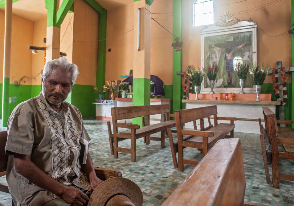 Le père Pedro Felipe Julio, dit « Padre Pechi », prêtre à Atzacoaloya.