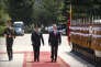 Le ministre chinois de la défense, Wei Fenghe, et son homologuie américain James Mattis, le 27 juin à Pékin.