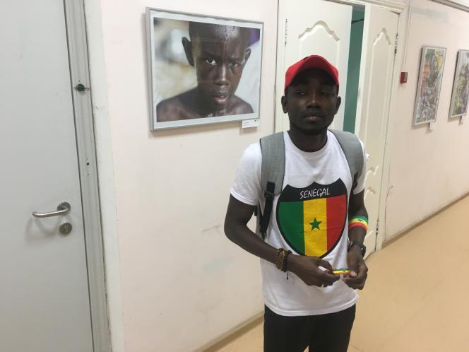 Alioune Badara Ndiaye à l'exposition d'un photographe sénégalais organiséeà l'Alliance française de Samara.