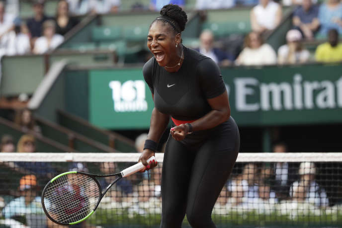 Serena Williams, le 29 mai à Roland-Garros, durant son premier match des internationaux de France, face à la Tchèque Kristyna Pliskova.