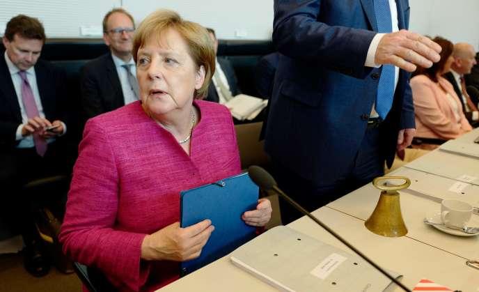 La chancelière allemande, Angela Merkel, avant une réunion du groupe parlementaire CDU-CSU, à Berlin, le 26 juin.
