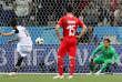 Le Costaricien Bryan Ruiz tirant un penalty contre la Suisse, le 27 juin.