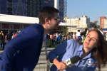 Un supporteur a tenté d'embrasser en direct une journaliste brésilienne Julia Guimaraes durant la Coupe du monde 2018.