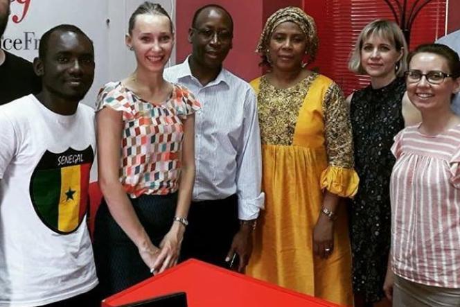 L'étudiant Alioune a rencontré l'ambassadeur du Sénégal à l'Alliance française de Samara.