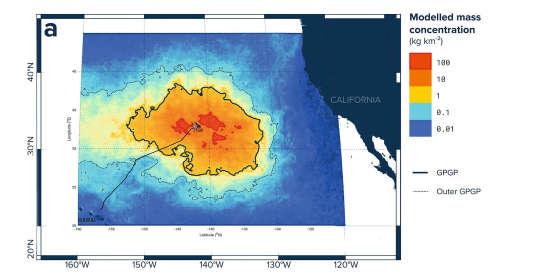"""Traversée du Pacifique Nord de Honolulu (Hawaï) à Portland (Oregon) à travers le vortex de déchets du Pacifique Nord. Jour 7 : Le """"continent de plastique"""" n'existe pas. Loin de constituer """"une île"""", des milliers de milliards de micro-plastiques constituent plutôt une """"soupe de plastique"""" invisible du bateau. Des morceaux de plastique allant de 2 millimètres à quelques microns, prêts à intégrer la chaîne alimentaire... et surtout impossibles à nettoyer."""