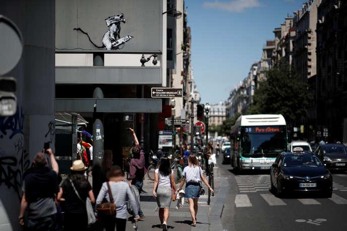 Le graffiti volé de Banksy avait été réalisé sur l'envers du panneau d'entrée du parking souterrain de Beaubourg.