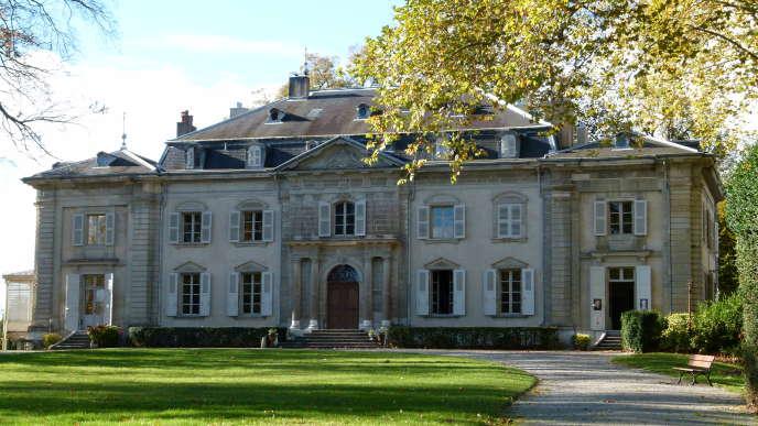 Le château de Voltaire à Ferney (Ain) jouit d'unevue dégagée sur la vallée du Rhône et les Alpes.