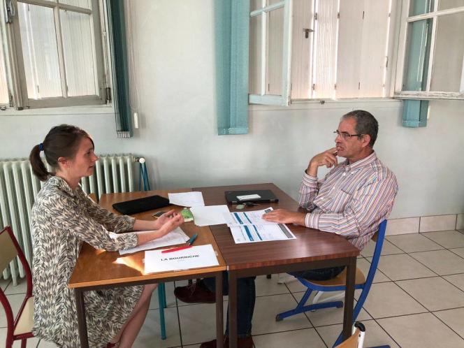 Marina Astié, ingénieure agronome, a vu son projet de vente d'huîtres en ligne récompensé à l'issue des ateliers, au concours des start-up des territoires ruraux du Campus numérique 47 d'Agen.