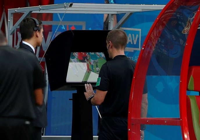 Mark Geiger, arbitre de la victoire de la Corée du Sud contre l'Allemagne en Coupe du monde, le 27 juin.