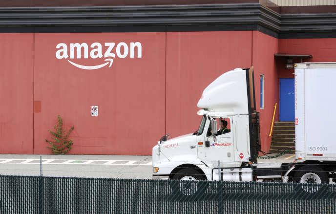 Un centre de distribution Amazon à New Westminster, en Colombie-Britannique au Canada, le 30 avril 2018.