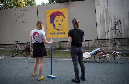 Eléonore et Juliette, du collectif «Merci Simone», le 28 juin à Paris.