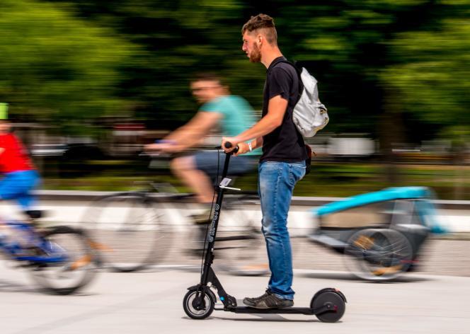 L'application SoliMobi propose de partager son trajet à pied, à vélo, à trottinette ou en transports en commun.