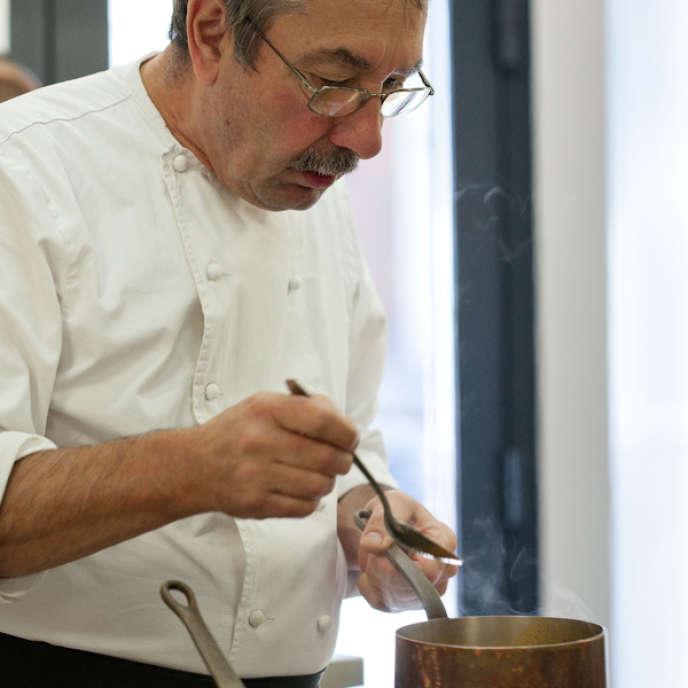 Le chef Gérard Bossé du restaurant Une Île, à Angers.