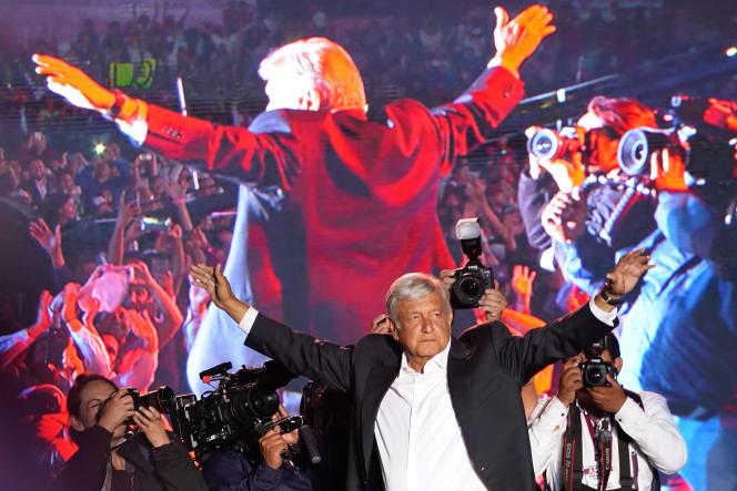 Le candidat à la présidentielle mexicaine, Andres Manuel Lopez Obrador, lors du dernier meeting de sa campagne, à Mexico, le 27 juin.