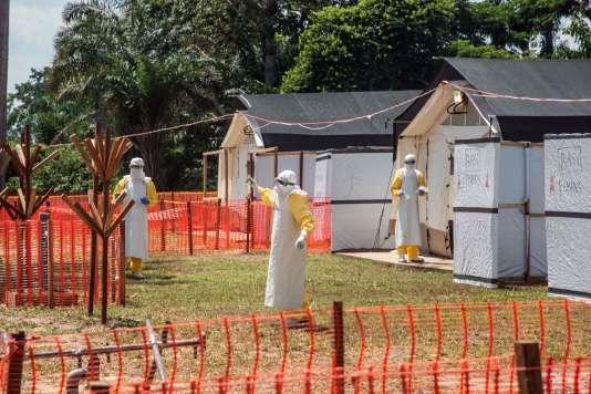 Une zone de sécurité sanitaire liée au virus Ebola au centre de santé de Lyonda, près de Mbandaka, en République démocratique du Congo, le 1er juin 2018.